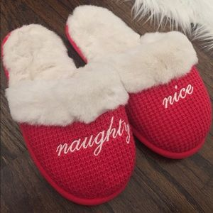 Victoria's Secret Naughty Nice Fur Slippers   M